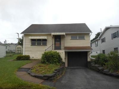 3 Bed 3 Bath Foreclosure Property in Altoona, PA 16601 - 24th Ave