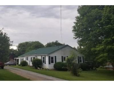 3 Bed 1 Bath Foreclosure Property in Waverly, TN 37185 - Hillhaven Dr