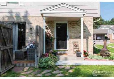 28 Amesbury St Broomfield Three BR, Beautiful Townhome!This