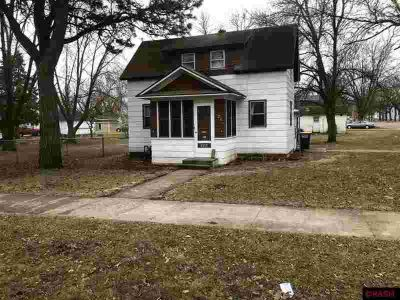 326 W Jefferson Avenue Saint Peter Two BR, Now here's an