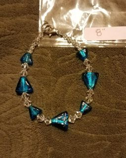 8 INCH, BLUE & CLEAR HANDMADE GLASS BEAD BRACELET, EXCELLENT CONDITION, SMOKE FREE HOUSE