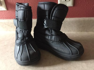 Children s Place Winter Boots Size 12
