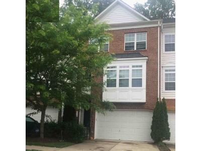 4 Bed 3.5 Bath Foreclosure Property in Hyattsville, MD 20785 - Tailgate Ter