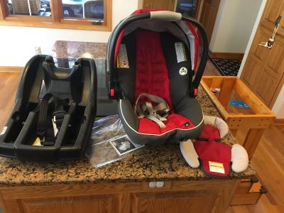 Graco click connect infant car seat and base
