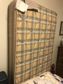 TWIN MATTRESS 2yrs old CUSTOM MADE FIRM (Paid $300) $50.00 no rips or stains