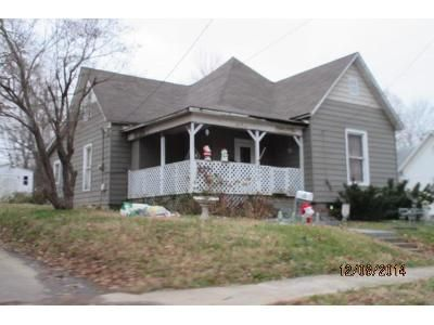 2 Bed 1.0 Bath Foreclosure Property in Mayfield, KY 42066 - W College St