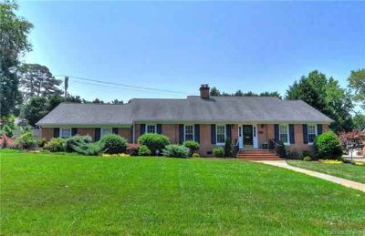 3816 Table Rock Road CHARLOTTE Three BR, Classic brick 1.5 story
