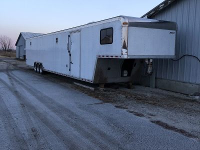 2006 Pace 52 enclosed gooseneck