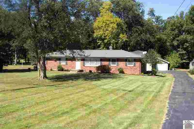 6830 Kentucky Dam Road Paducah Three BR, Must see this newly