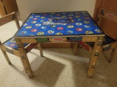 Thomas the Tank table/chairs