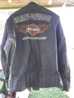 Men's Harley Davidson motorcycle jacket size XL worn 4 times leather motorcycle flames