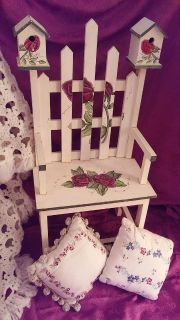 Garden birdhouse chair