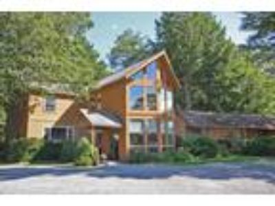 Inn for Sale: Boutique Motel, Wiscasset Maine