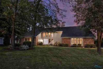 4805 Tow Path Lane Sylvania Five BR, Sprawling home in