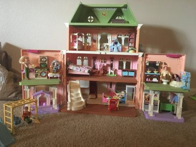 Fisher Price loving family Dollhouse & furniture