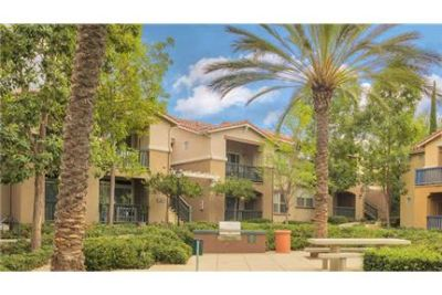 Pet Friendly 2+1 Apartment in Rancho Santa Margarita