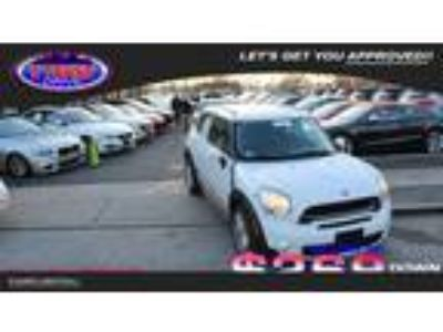 $8999.00 2016 MINI Cooper Countryman with 117286 miles!