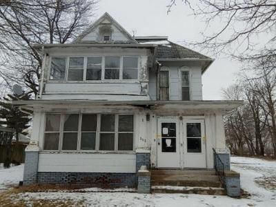 4 Bed 4 Bath Foreclosure Property in Canton, IL null - South 1st