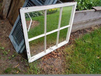 Window with mirror panes