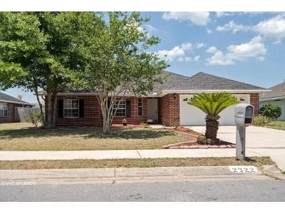 4 Bed 2 Bath Foreclosure Property in Cantonment, FL 32533 - Tall Oak Dr