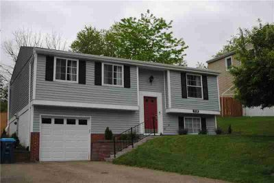 228 Rampart Blvd Plum Borough Three BR, Updated with contemporary