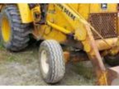 1989 John Deere 210C-Backhoe Equipment in Commerce Township, MI