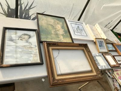 Vintage pictures/ frames and photo stuff set