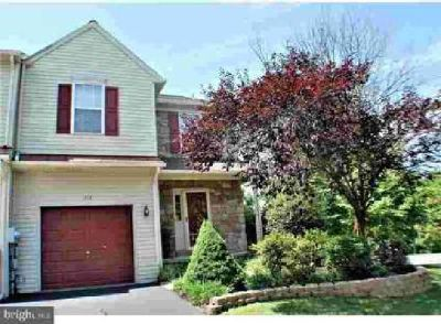 513 Berkshire Dr Souderton Three BR, Terrific end unit town home