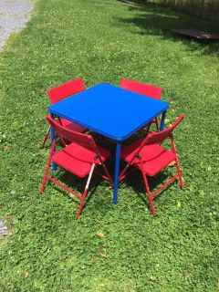 Kids Table & Chair Set, nice condition **READ PICK-UP DETAILS BELOW