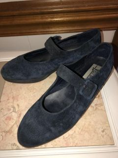 Vintage Suede Mary Jane Shoes Excellent Condition Size 8
