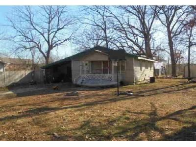 3 Bed 1 Bath Foreclosure Property in Mountain View, MO 65548 - E 4th St