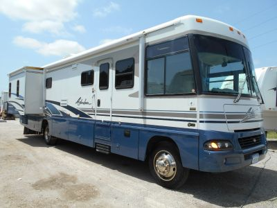 2003 Winnebago 37G Adventurer