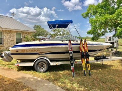 2001 Larson 190 LXi Volvo Penta Engine with low engine hours
