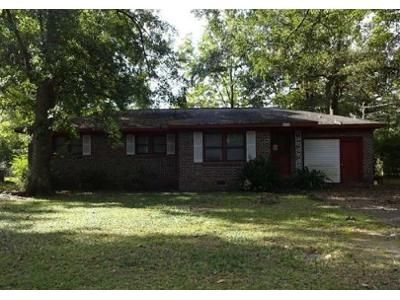 3 Bed 2 Bath Foreclosure Property in Dothan, AL 36301 - Southland Dr