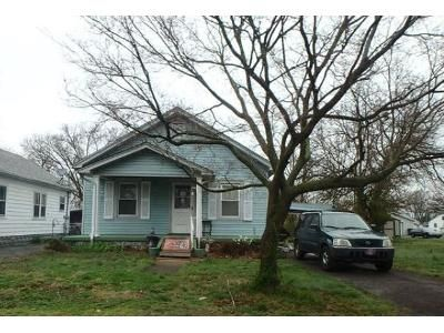 2 Bed 1 Bath Foreclosure Property in New Albany, IN 47150 - Albany St