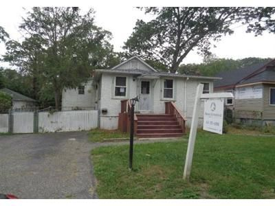 2 Bed 1 Bath Foreclosure Property in Rocky Point, NY 11778 - Sunburst Dr