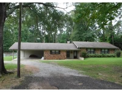4 Bed 2 Bath Foreclosure Property in Pineville, LA 71360 - Anna Ln