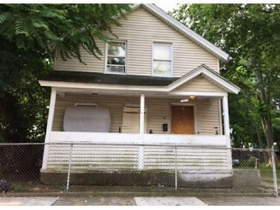 4 Bed 1 Bath Foreclosure Property in Springfield, MA 01109 - Queen St