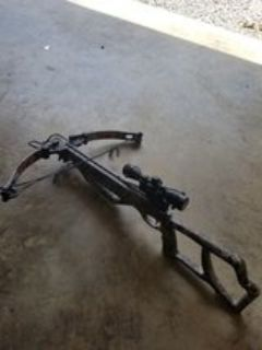 Parker enforcer crossbow with 3 arrows