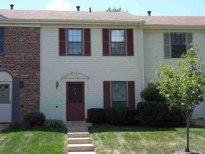 399 Penns Way BASKING RIDGE Two BR, Sunny Model 250 Townhouse