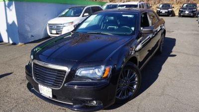 2014 Chrysler 300 C John Varvatos Luxury (Gloss Black)