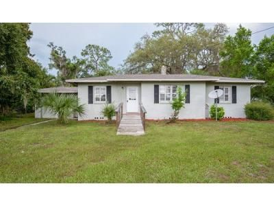3 Bed 2 Bath Foreclosure Property in Hawthorne, FL 32640 - SE 69th Ave