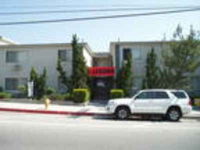 Spacious 1BD/One BA Centrally Located & Competitive Pricing.