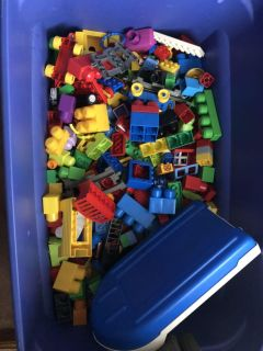 Tote 1/2 full of LEGOS & LEGO pieces