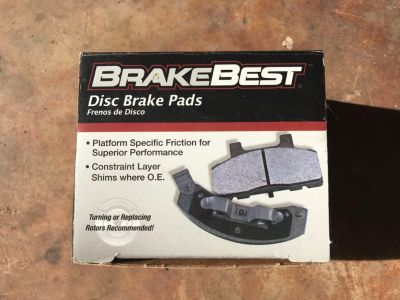 Front brake pads for Saturn s