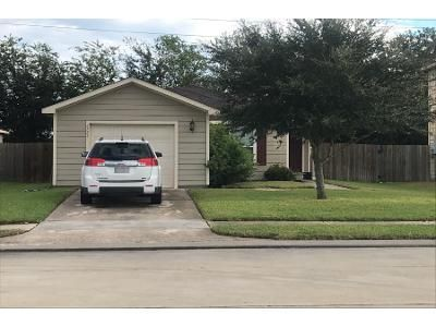 3 Bed 2 Bath Preforeclosure Property in Richmond, TX 77469 - Waterlilly View Ln