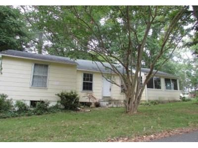 3 Bed 1 Bath Foreclosure Property in Saint Leonard, MD 20685 - Elm Rd
