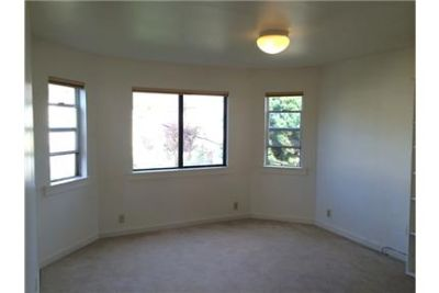 UPDATED 3BR/2BA Home Westwood Park LOTS of Natural Light AVAILABLE 7/1