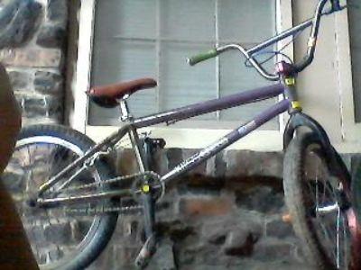 KINK FRAME BMX BIKE