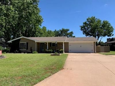 3 Bed 2 Bath Foreclosure Property in Elk City, OK 73644 - W Ave D